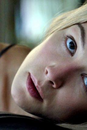 Cartaz do filme GAROTA EXEMPLAR – Gone Girl