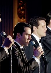 JERSEY BOYS: EM BUSCA DA MÚSICA – Jersey Boys